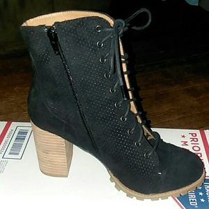 WOMENS REPORT BLACK STACKED HEEL LACE FRONT BOOTIE
